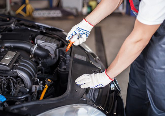 Get Reliable Oil Change Service in Lynnwood Today